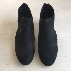 Eileen Fisher Black Booties - Size 8.5